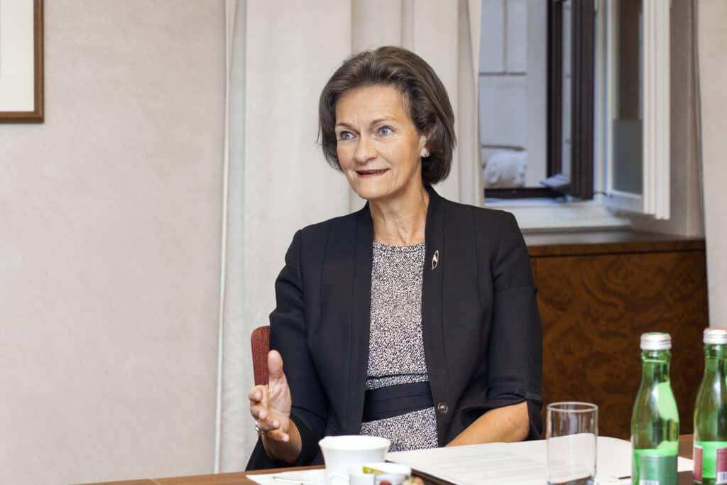 assets Magazin: Privatbanken - Beatrice Schobesberger