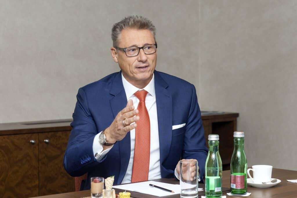 assets Magazin: Privatbanken - Manfred Huber