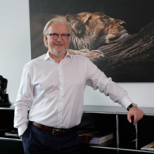 assets Magazin: Michael Legnaro - Agora Group