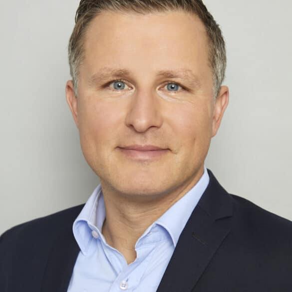 assets Magazin: Stefan Breintner - DJE